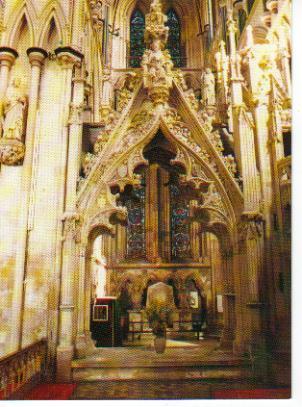 Beverley_tomb_of_Lady_Idonea_Percy_c1340