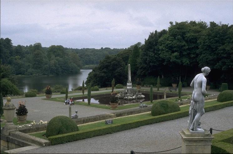 Brown_BlenheimPalace_garden