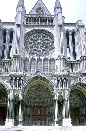 Chartres_Cathedral_south_transept