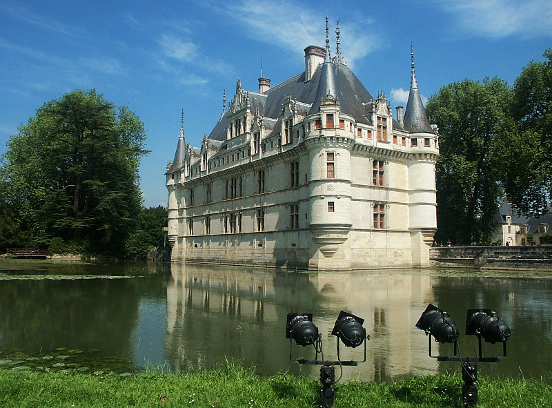 art history by laurence shafe chateau azay le rideau 1515 art history. Black Bedroom Furniture Sets. Home Design Ideas