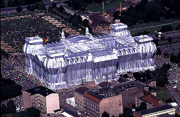 Christo_Wrapped_Reichstag_1994