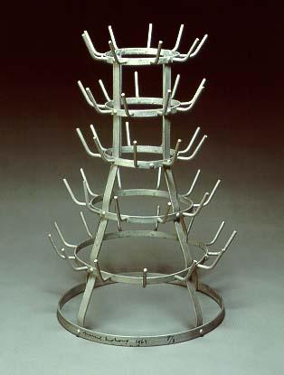 Duchamp_Bottle_Rack_1914