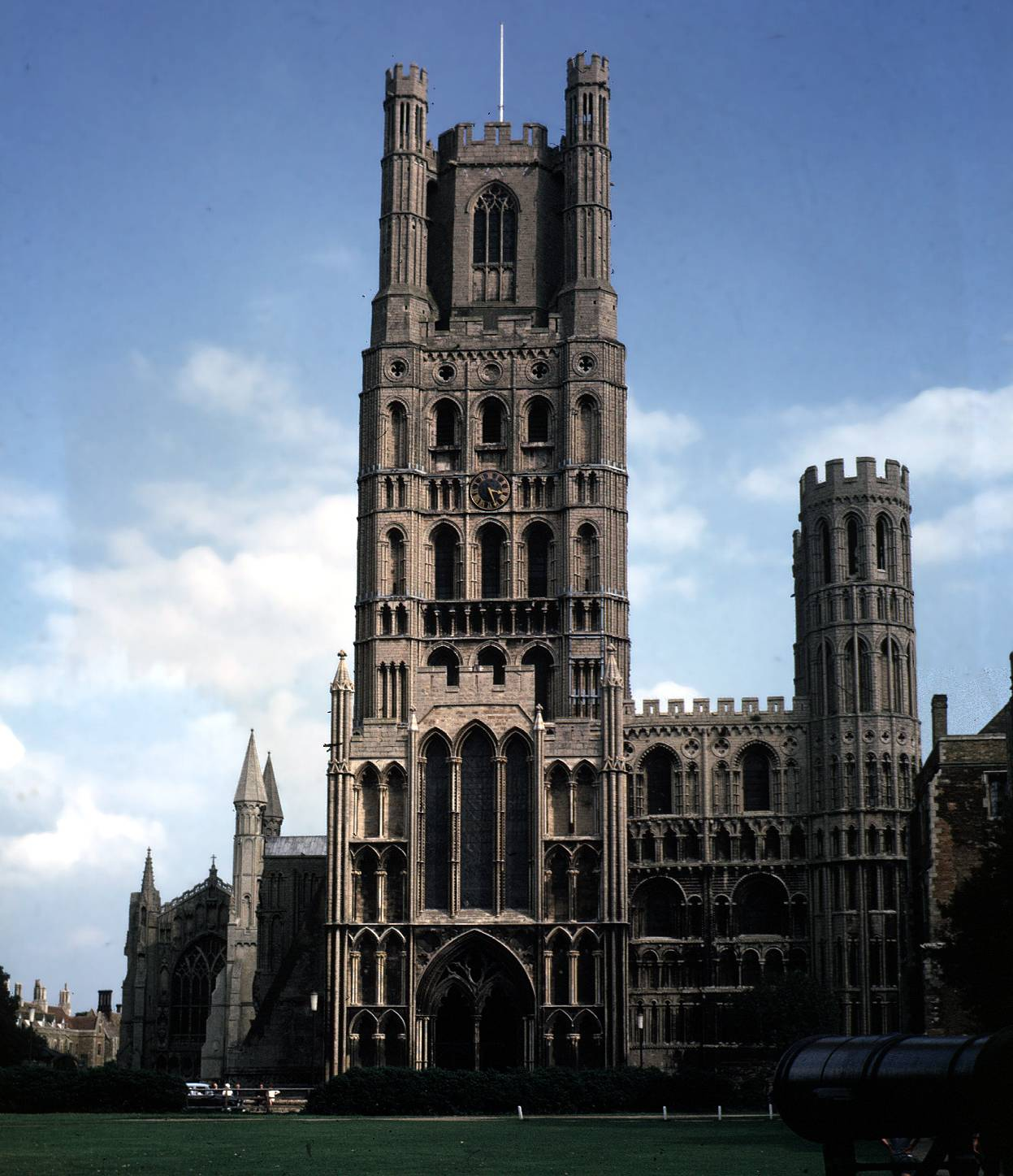 Ely_cathedral_exterior
