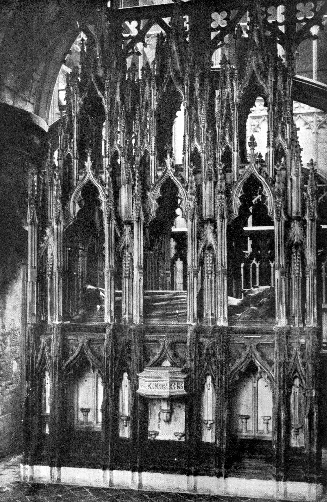 Gloucester_Cathedral_Edward_II_tomb