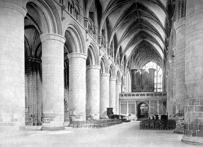 Gloucester_Cathedral_nave