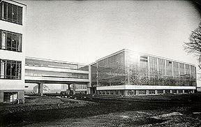 Gropius_Bauhaus_Dessau_1926