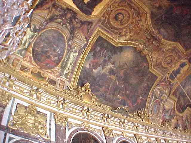 LeBrun_Salon_de_la_Guerre_celing_painting_Versailles