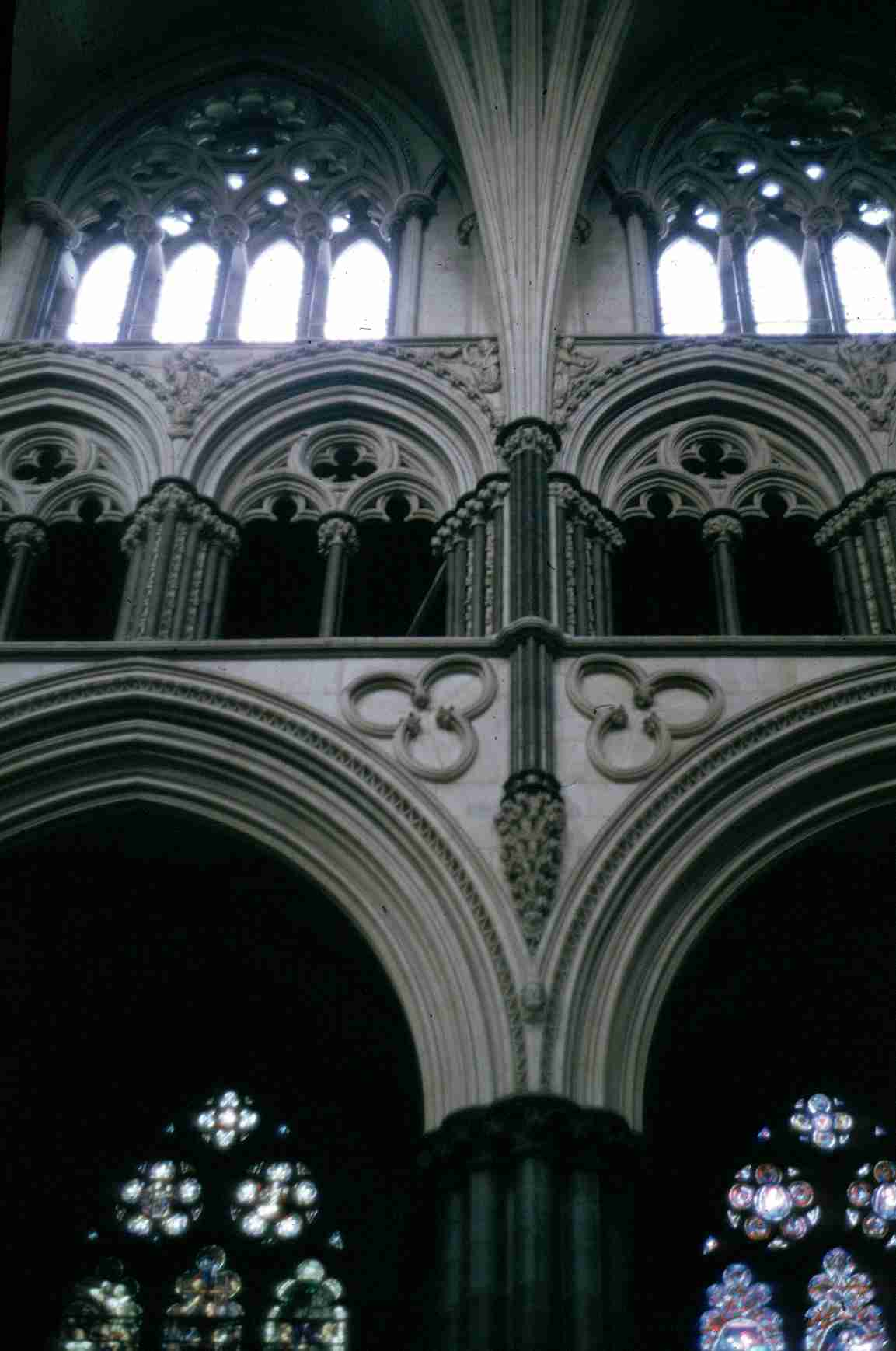 Lincoln_cathedral_interior