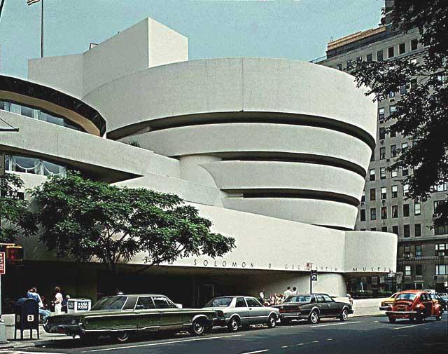 Lloyd_Wright_Guggenheim_Museum_1955-59