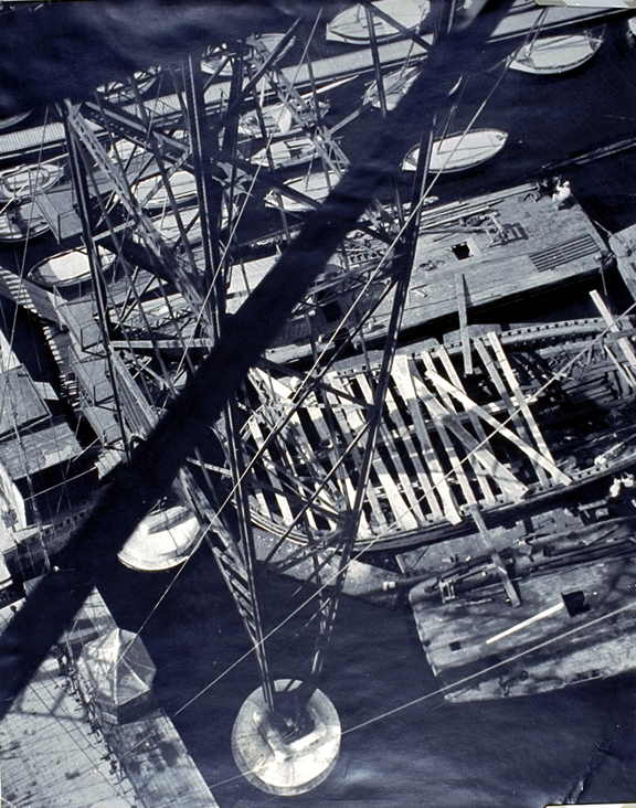 Moholy-Nagy_View_from_the_Pont_Transbordeau_Marseille_Iron_Column_1929