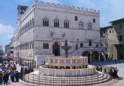 Perugia_Palazzo_dei_Prior_1292