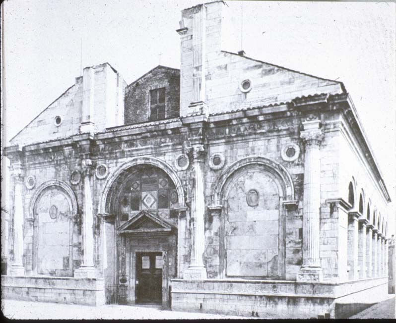 Rimini_Tempio_Malatestiano_Alberti_1450
