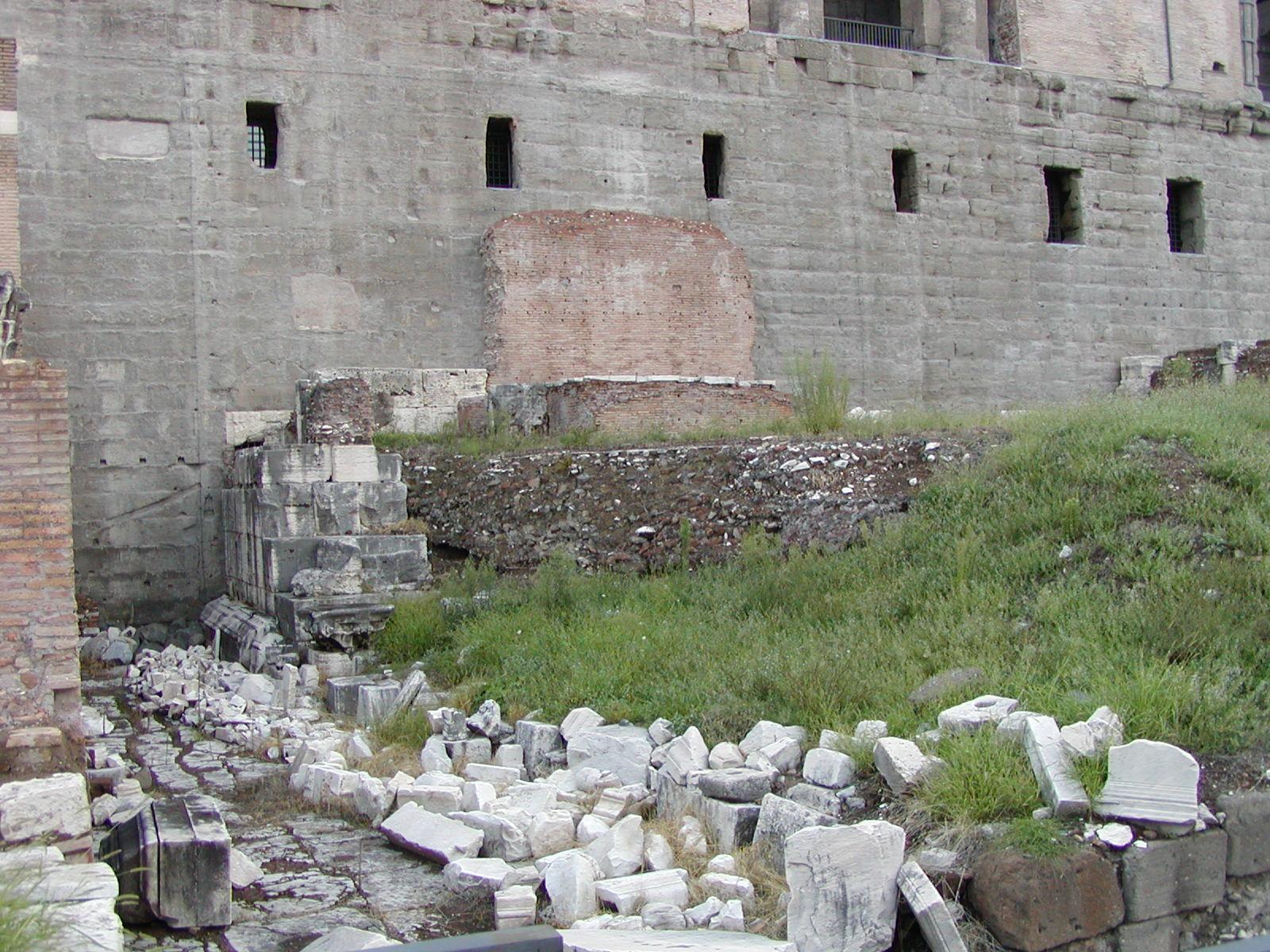 Rome_Forum_of_Vespasian