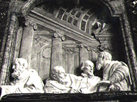 S._Maria_della_Vittoria_Cornaro_Chapel_right_balcony