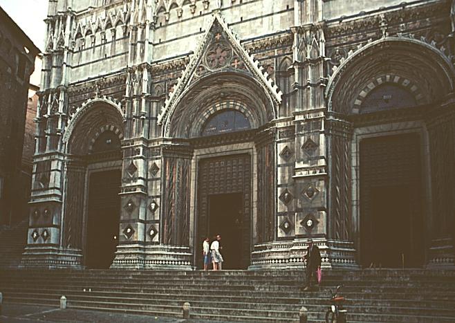 Siena_Duomo_east_facade
