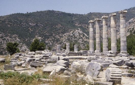 Temple_of_Priene