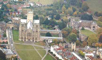 Wells_Cathedral_aerial_view